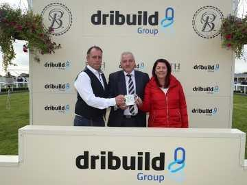 Dribuild Group Managing Director Matt Tyle makes the presentation after the Dribuild-sponsored race